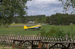 Gullbrofältet med DC-3'a