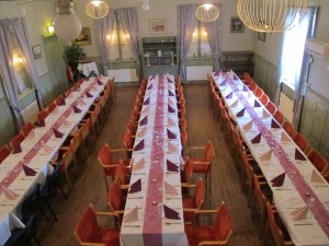 Dukat bord 70 personer